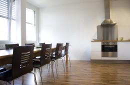 Konferenzraum & Küche (1)